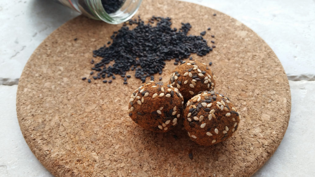 Sweet & Spicy Black Sesame Snack Balls